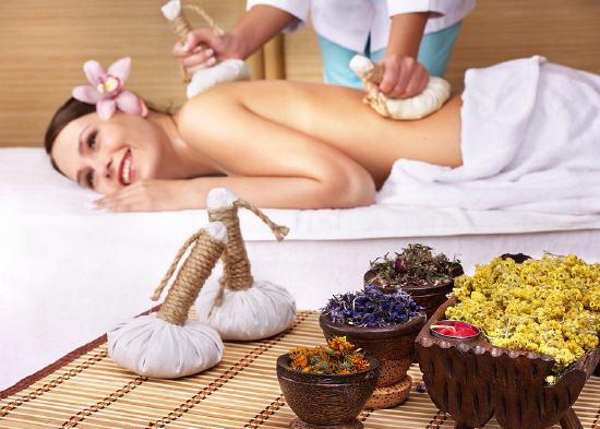 Kräuter Thai Massage